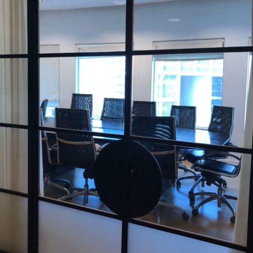 חדר ישיבות משרד חדש
